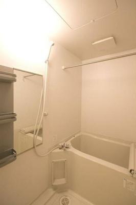 【浴室】ロン・ラヴァン