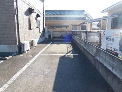 【駐車場】太田駅 飯塚町 2LDK