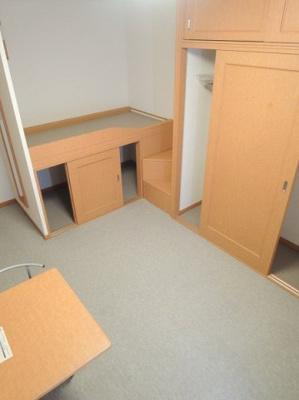 ベッドタイプの居室