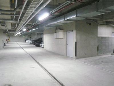 【駐車場】プレステージ新千里西町3号棟