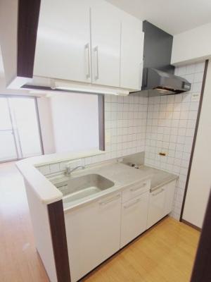 【キッチン】ラゾプレイス西原