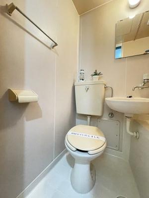 洋室6帖のお部屋にある3帖のロフトスペースです!ロフトスペースはベッドや収納スペースとしても使えて便利です☆