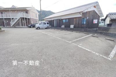 【駐車場】パーリーゲイツ1
