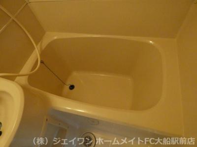 【浴室】メゾンニューヤマイチ