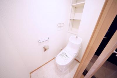 ウォシュレット付トイレ新規交換済みです。