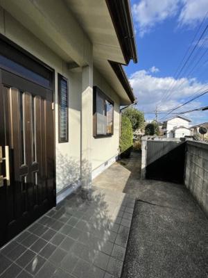 【駐車場】津山市小田中 5LDK 中古住宅