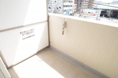 【バルコニー】ゼファー東大阪