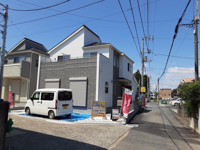 新築一戸建て 全3棟 富岡2丁目 充実の仕様と設備、南東角地の明るいお住まい!仲介手数料無料です。
