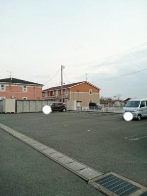 【駐車場】エテルノ優美B