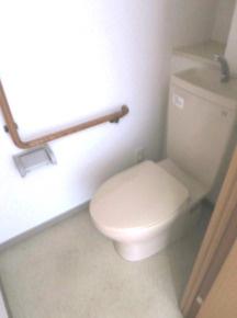 個室タイプのトイレ。