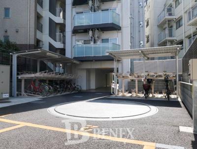 ジェノヴィア新宿早稲田グリーンヴェールの駐車場です