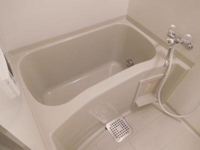 【浴室】ヴィラ・ローディア1