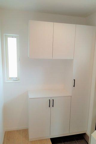 洋室。2面窓で日当たり・風通し良好♪