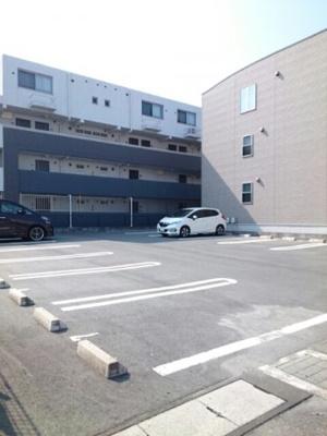 【駐車場】ラフレシール三島Ⅱ