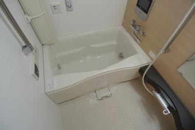 【浴室】インザグレイス東三国