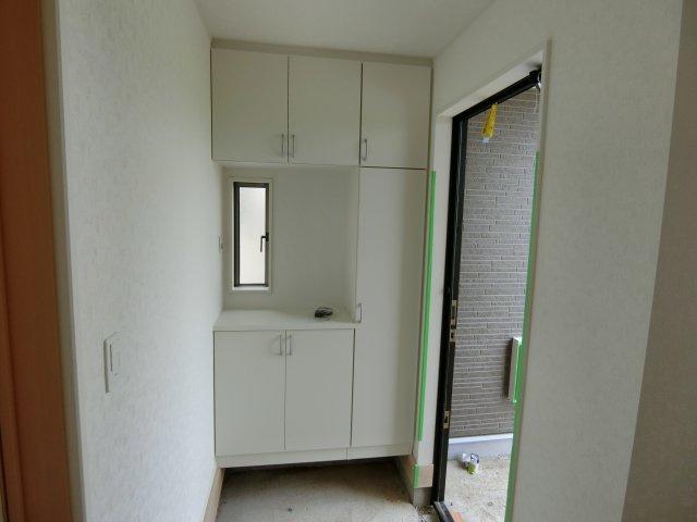 【玄関】吉岡町下野田第5 2号棟/クレイドルガーデン