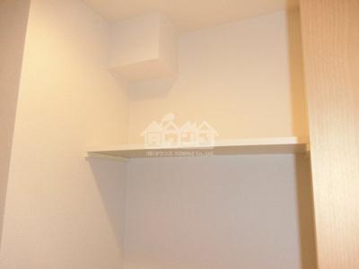 トイレの上棚・サクラアパートメント