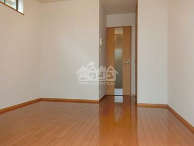 室内・サクラアパートメント