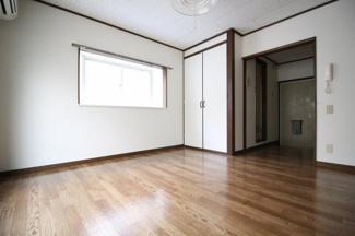 【居間・リビング】Sumire Villa Rokko