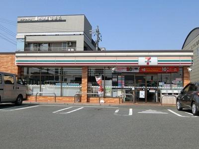 セブンイレブン大垣島里2丁目店まで750m