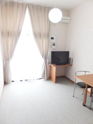 32型TV設置のお部屋ですインターネットも対応