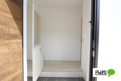 【1号棟】玄関 収納力のある玄関収納☆彡