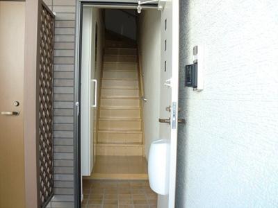 【玄関】ベル フィオーレA