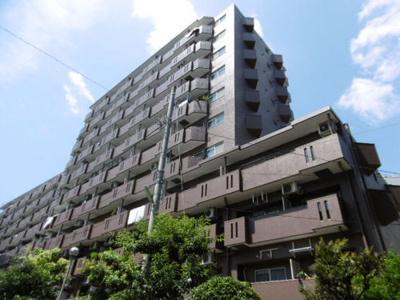 横浜駅東口から徒歩7分の分譲マンションです。