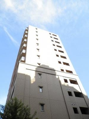 JR東海道本線「川崎」駅より徒歩7分のマンションです。