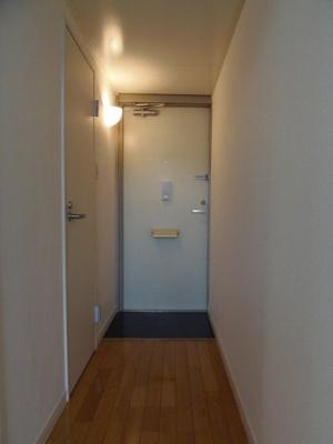 【玄関】レオパレスSereno