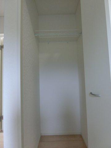 玄関の土間部分です。収納に便利です。