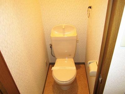 トイレコンセント差すとこあります