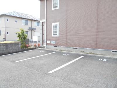 【駐車場】セレーノ松岡A