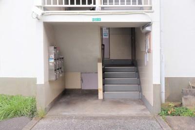 【エントランス】ビレッジハウス若松2号棟