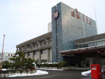 神戸町役場まで2,696m