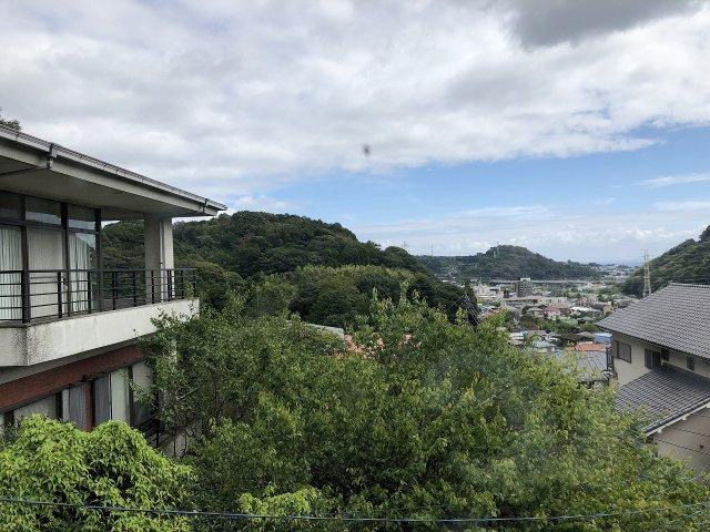 住戸からは開放感のある眺望が広がっています。