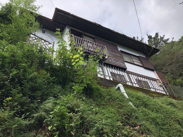 高台に立地した邸宅です。