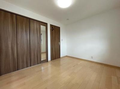 【洋室】新宿区下落合4丁目 築浅未入居戸建  6480万円