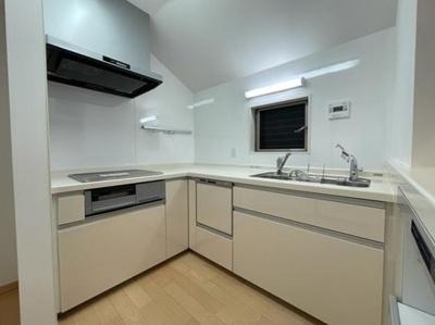 【キッチン】新宿区下落合4丁目 築浅未入居戸建  6480万円