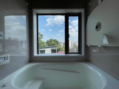 【浴室】新宿区下落合4丁目 築浅未入居戸建  6480万円