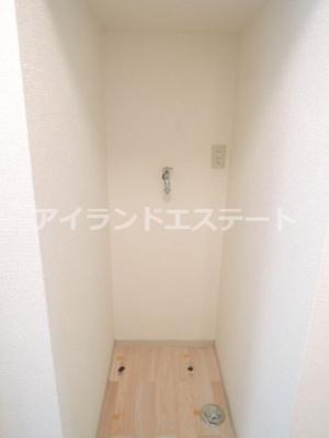 【設備】レヴィーユ 駅徒歩5分 バストイレ別 南向き