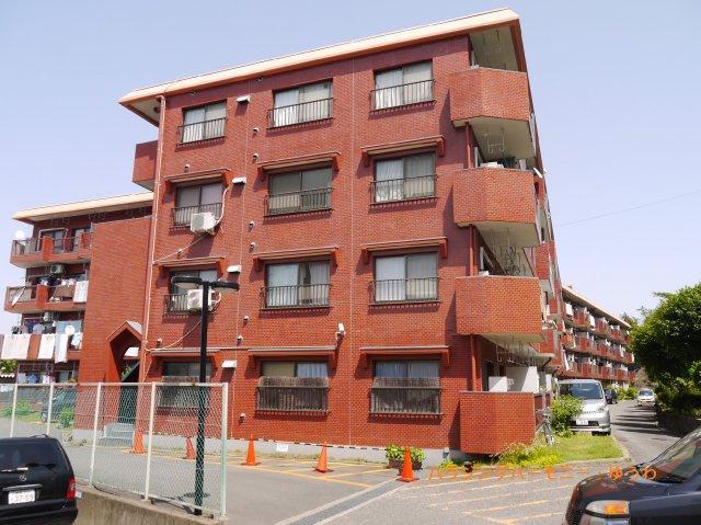 日当り良好な高台に立する充実したリフォーム済みのマンションです。