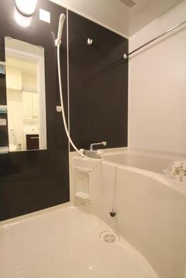 【浴室】キーヌ・ブラン