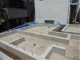 基礎施工例:地盤保証20年がついている、ベタ基礎を採用