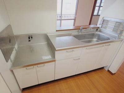 【キッチン】シャーメゾン平和台A C棟