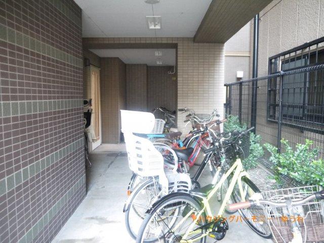 【駐輪場】クレストフォルム板橋仲宿