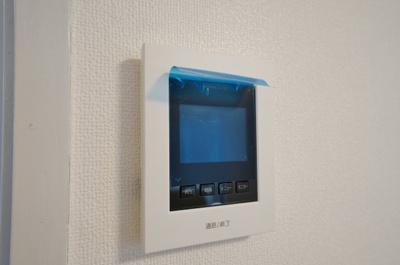 TVモニター付きインターホンも設置しております。