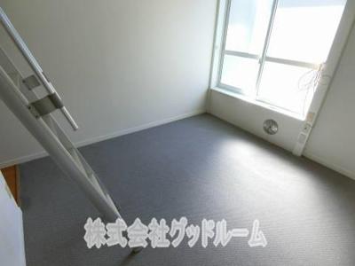 【居間・リビング】レオパレスDEEPFOREST