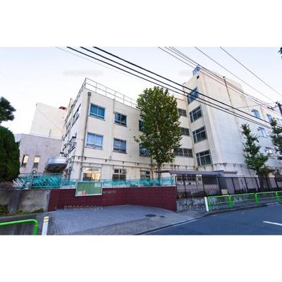 中学校「板橋区立上板橋第二中学校まで445m」