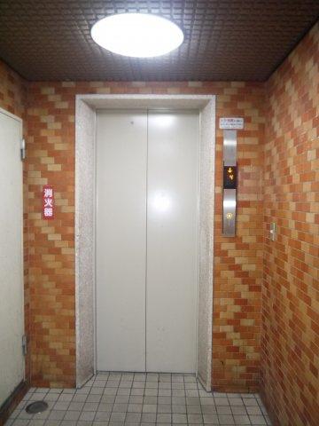 もちろん、便利なエレベーターがあります。